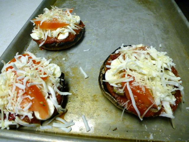 mushroom pizza 3