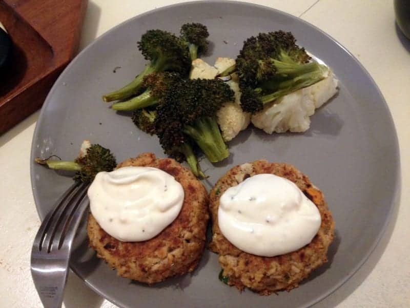 salmon cakes with aioli