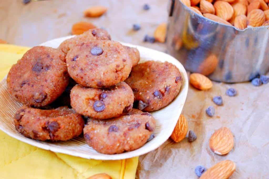 Chocolate-Chip-Cookie-Dough-Freezer-Bites-1024x680