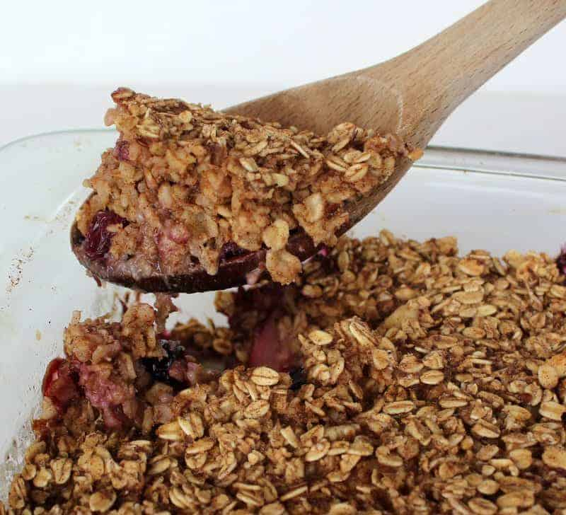 Berry Oatmeal Breakfast Bake
