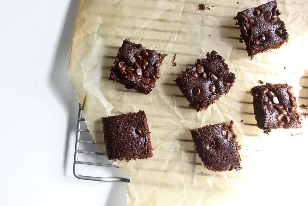 Brain Fog Lentil Brownies - #glutenfree #dairyfree #lentils #legumes #pulses #joybauer #foodremedies