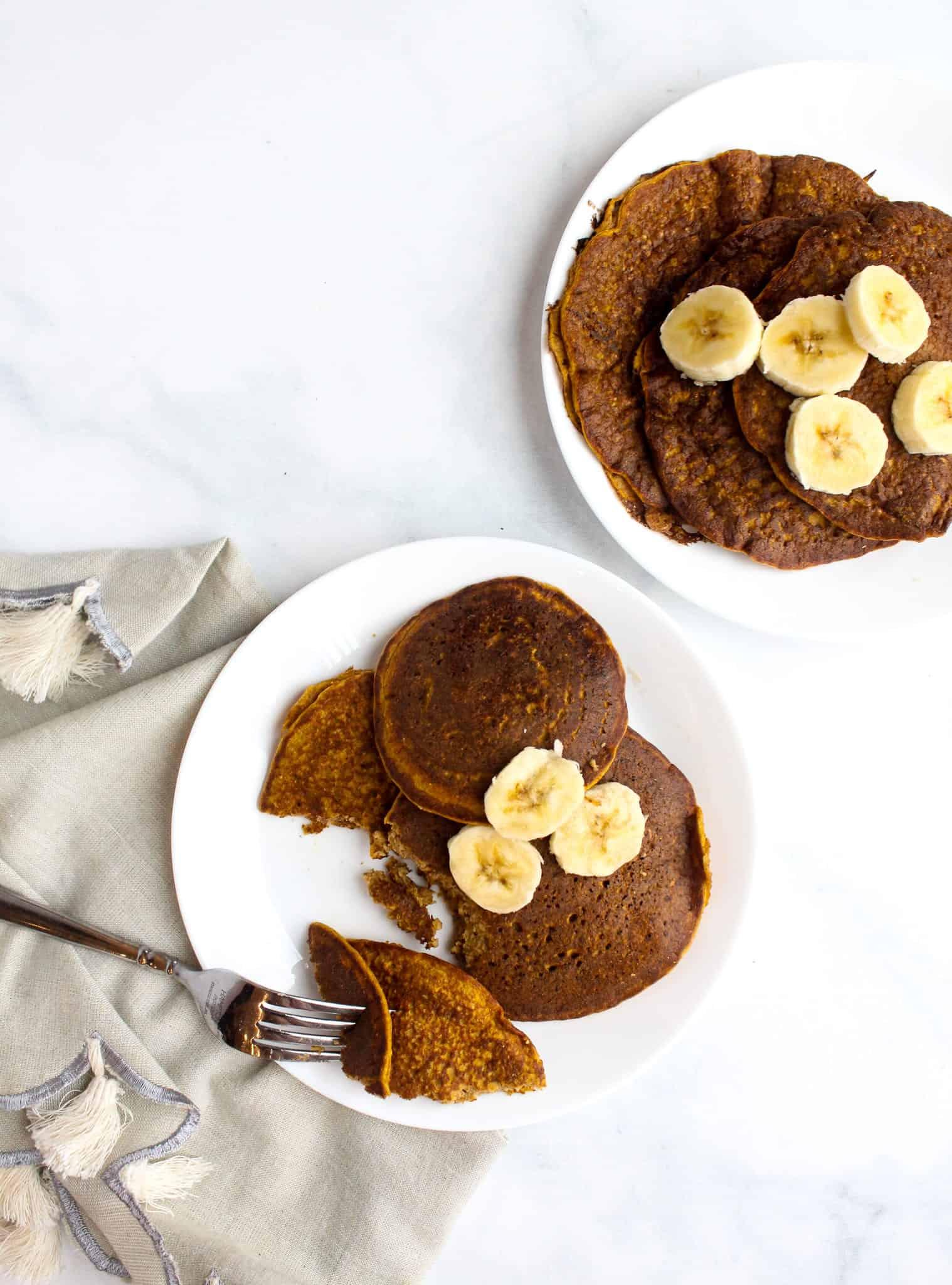 Pumpkin Blender Pancakes for One - #glutenfree #dairyfree #lowfodmap #breakfast #college #pumpkin