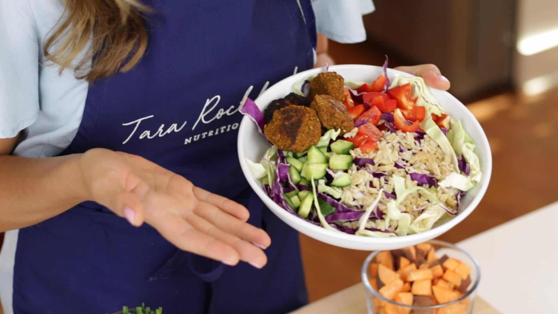 Sweet Potato Falafel Bowl - The 14 Day Elimination Diet #allergyfree #foodallergies #eliminationdiet #tararochfordnutrition