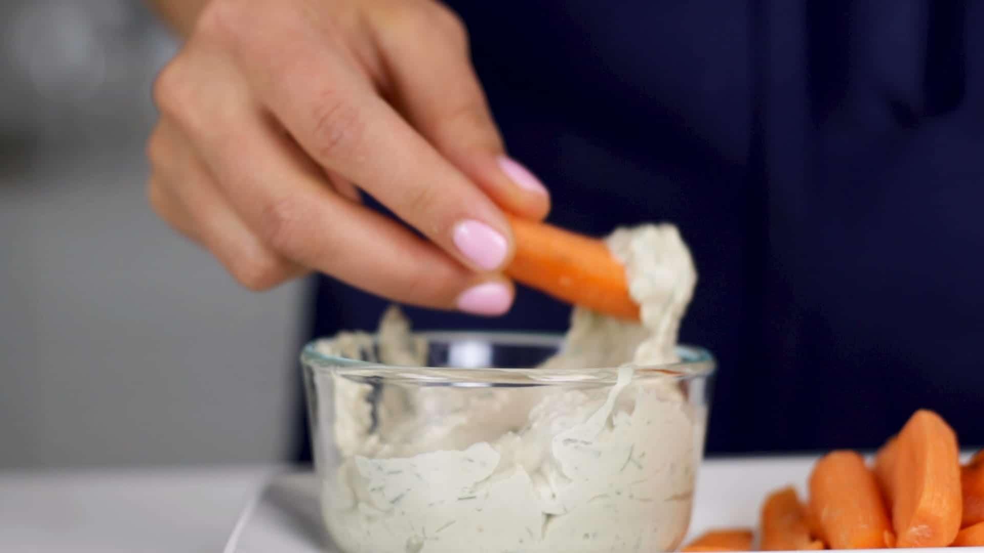 Garlic Dill White Bean Dip -The 14 Day Elimination Diet Plan #tararochfordnutrition #foodallergies #glutenfree #dairyfree