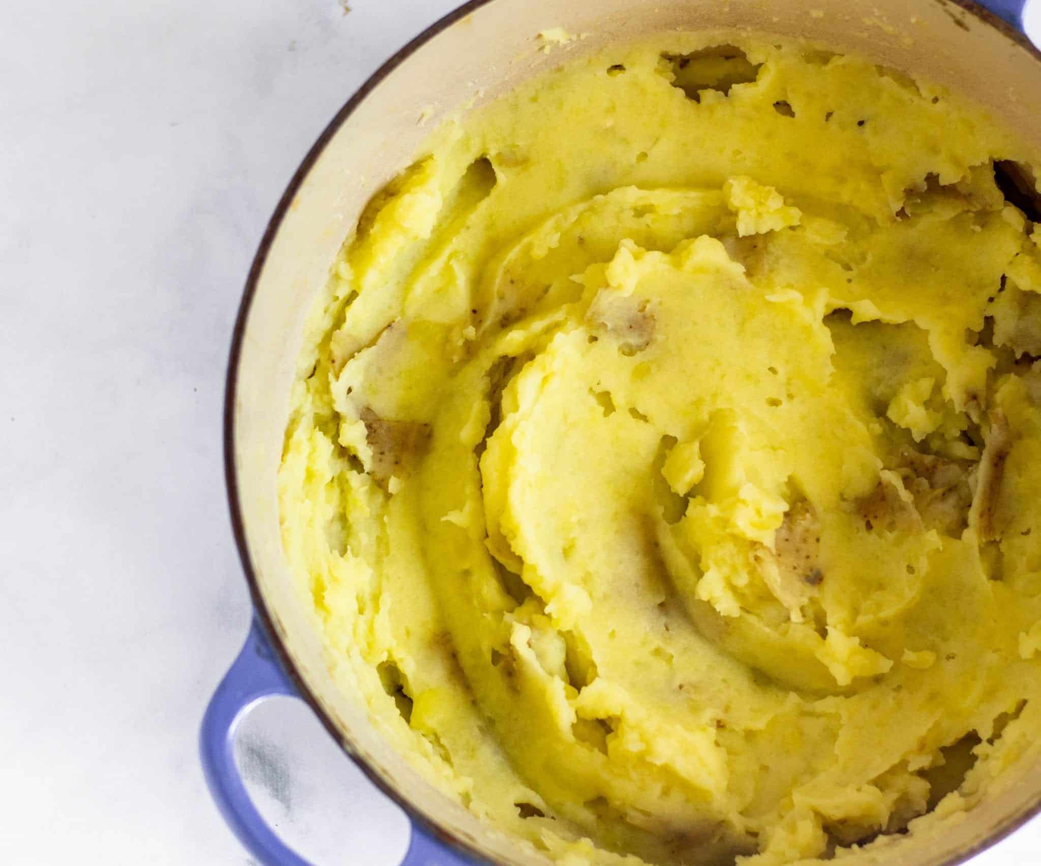 Low FODMAP Olive Oil Mashed Potatoes #lowfodmaprecipe #oliveoil #mashedpotatoes #dairyfreethanksgiving #lowfodmapside