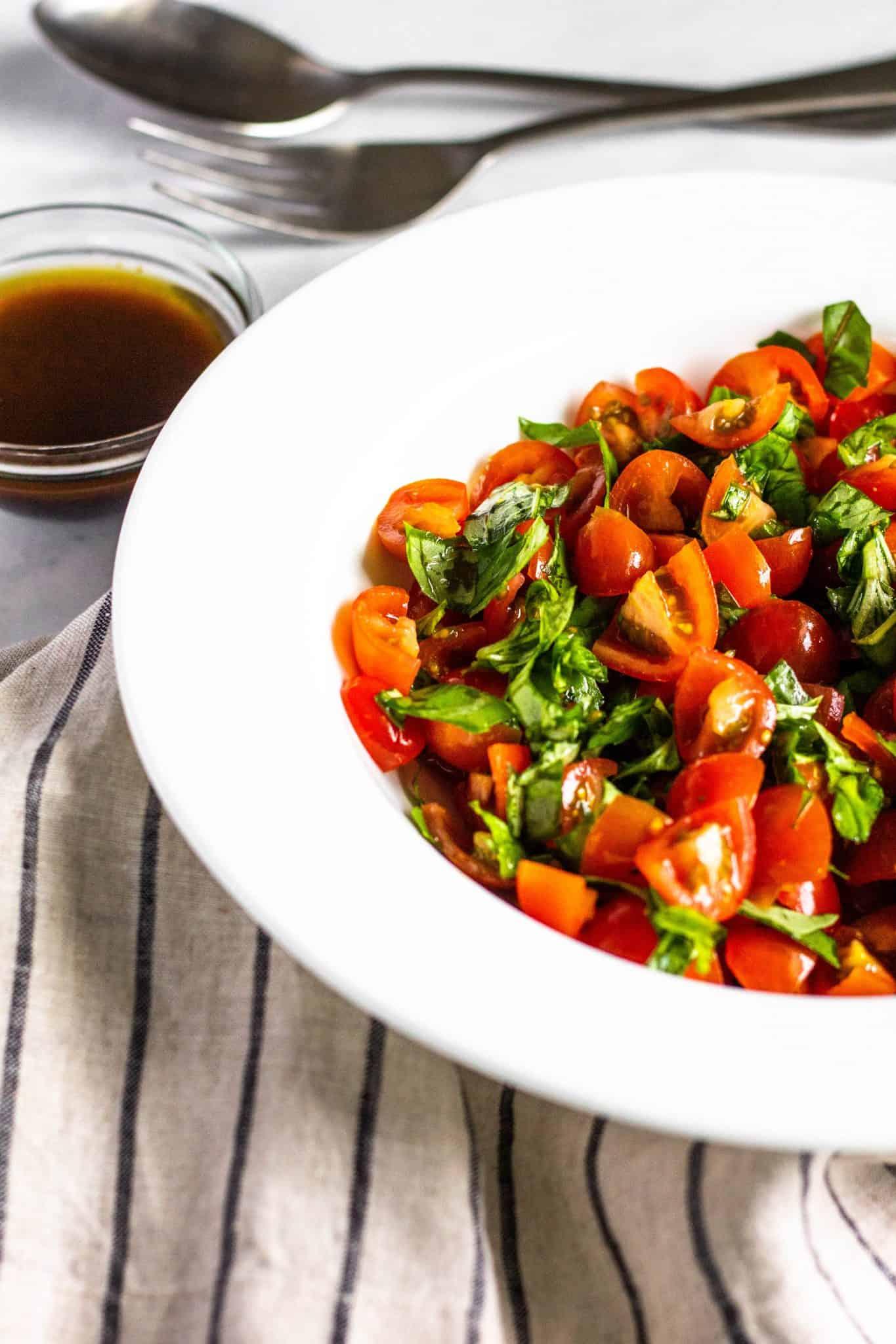 Tomato Basil Salad #lowfodmap #tararochfordnutrition