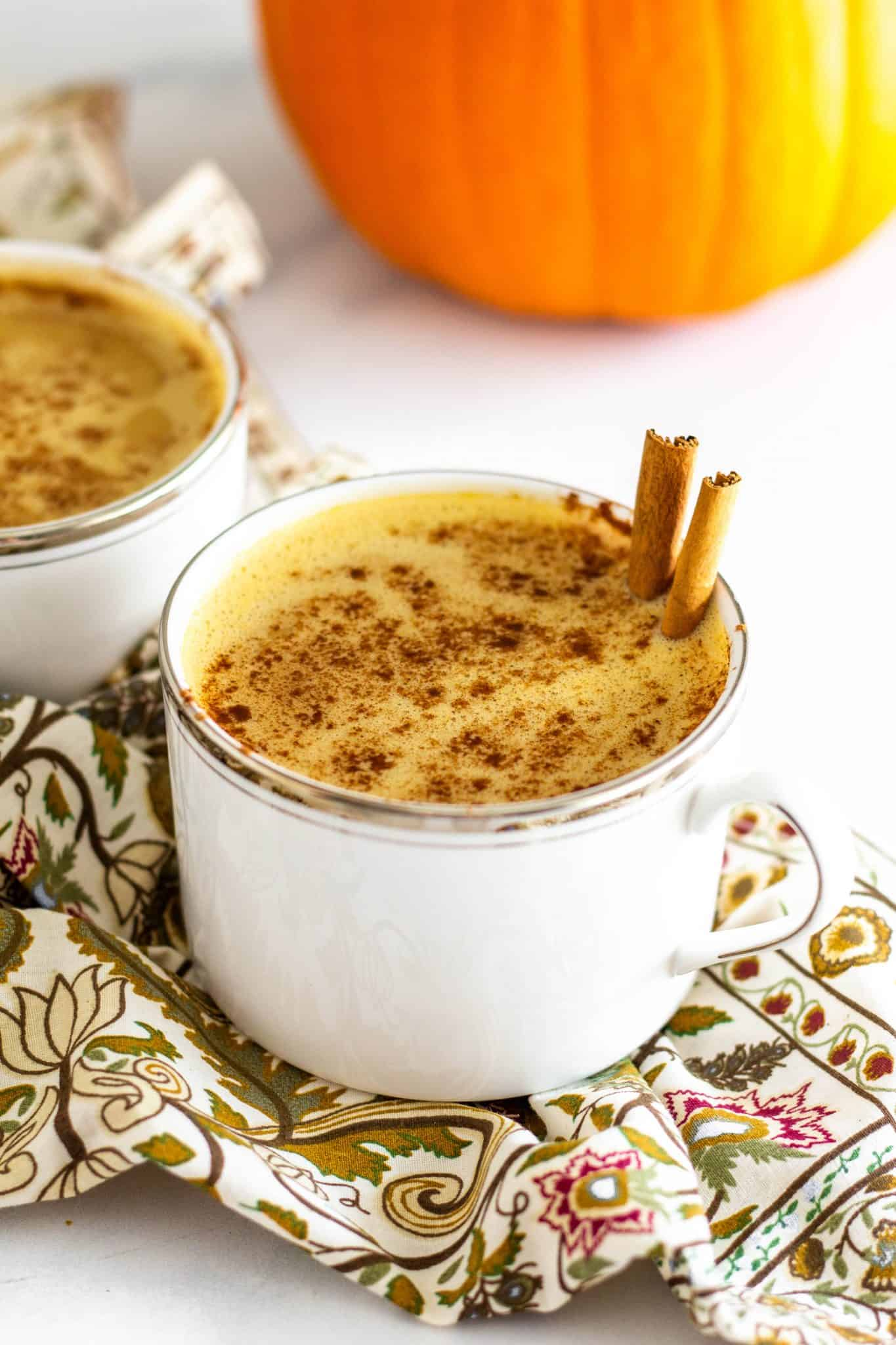 Healthy Pumpkin Spice Latte with Oat Milk #dairyfree #pumpkinlatte