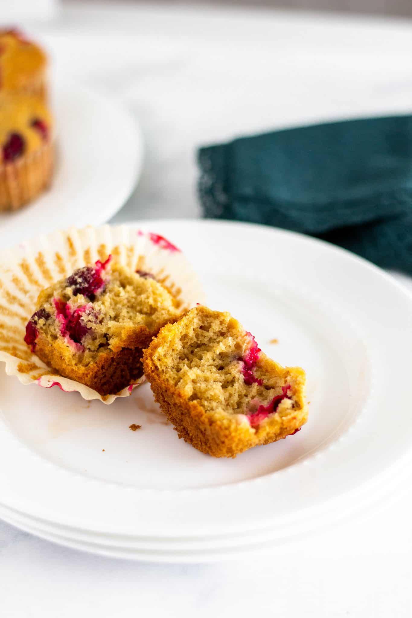 Low FODMAP Cranberry Orange Muffins - Tara Rochford Nutrition #lowfodmapmuffins #lowfodmapbaking