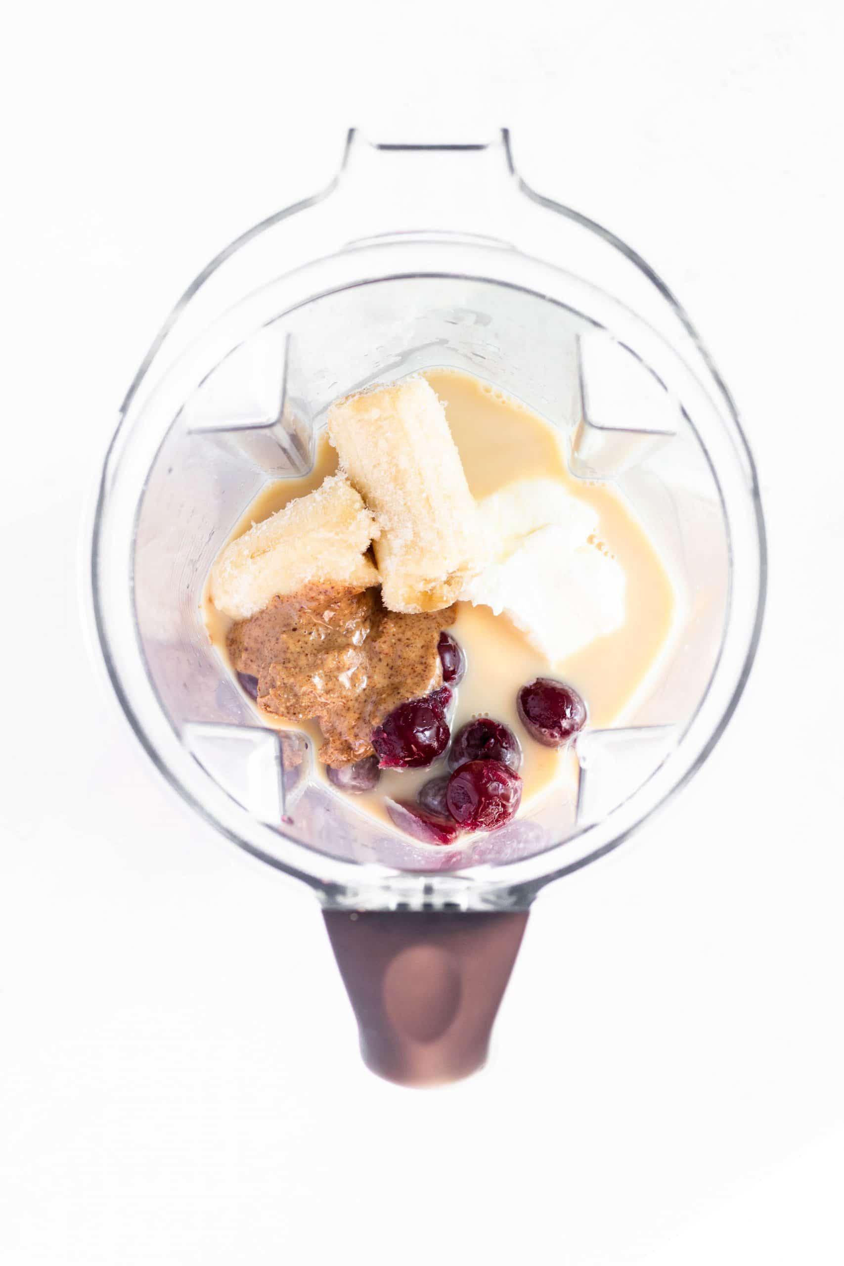 Cherry Almond Smoothie | Tara Rochford Nutrition #smoothie #freesample #healthysnack