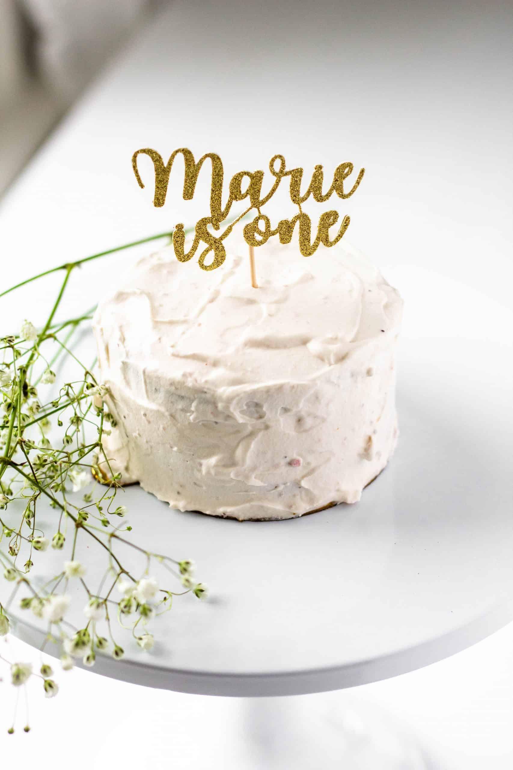 Healthy Smash Cake No Sugar Added #firstbirthday #smashcake #tararochfordnutrition